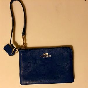 Coach wristlet great condition